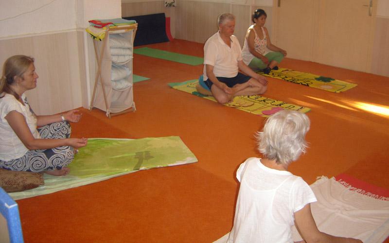 clase-de-yoga1