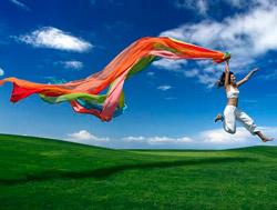 chica-saltando-feliz